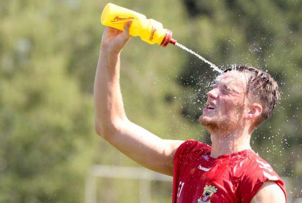 Sam Beukema sportdrank voor voetballers
